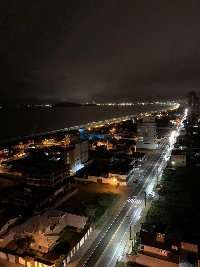 Apartamento Frente Mar -3 dorm. - Balneário Piçarras