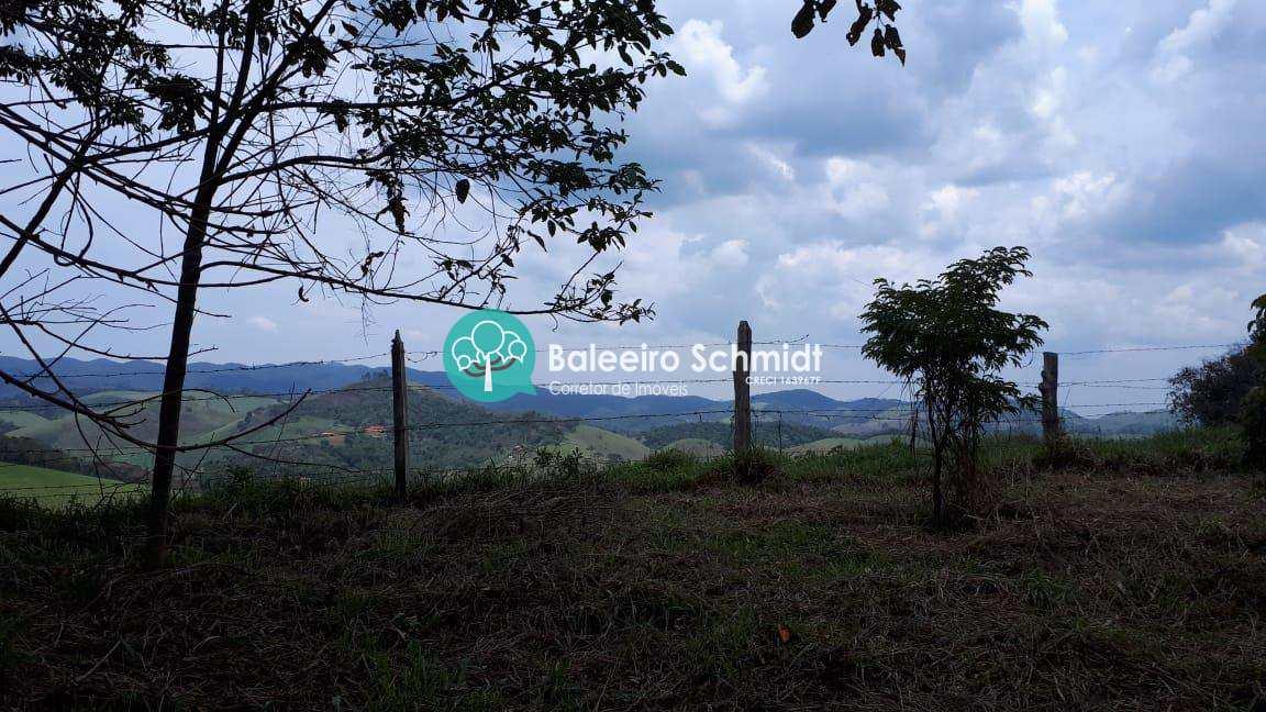 Terreno com vista em Santo Antônio do Pinhal.