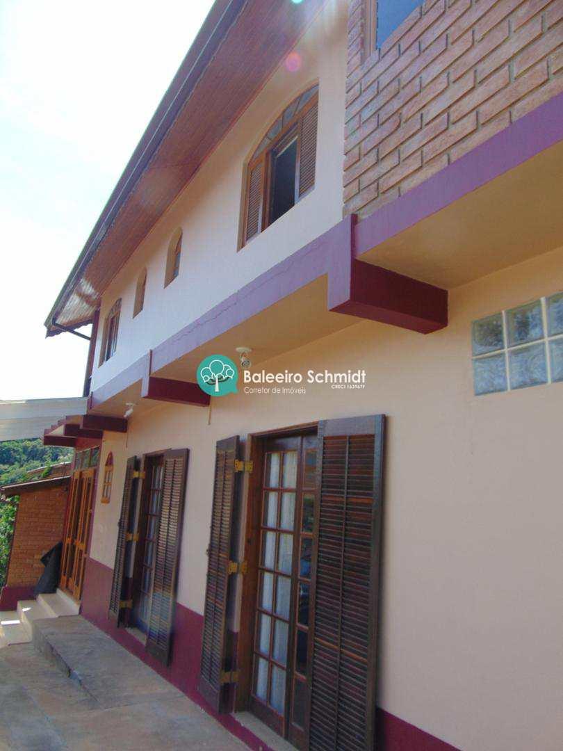 Casa alto padrão em Santo Antônio do Pinhal.