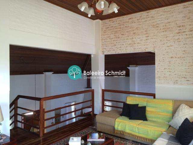 Casa em Condominio  Alto Padrão em Santo Antonio do Pinhal
