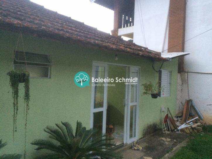 Casa no centro de Santo Antonio do Pinhal