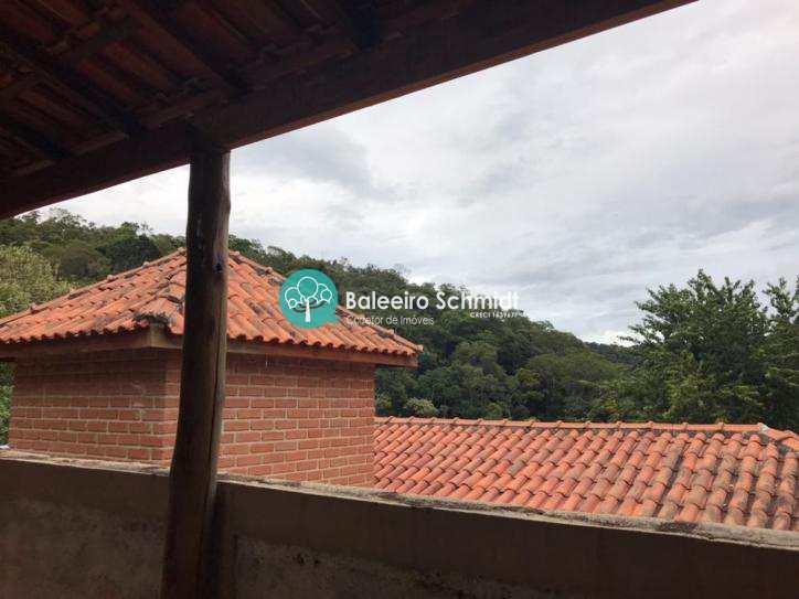 Casa a venda em Santo Antonio do Pinhal.