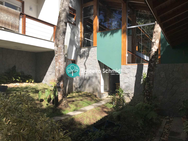 Casa em Condomínio Fechado Alto Padrão