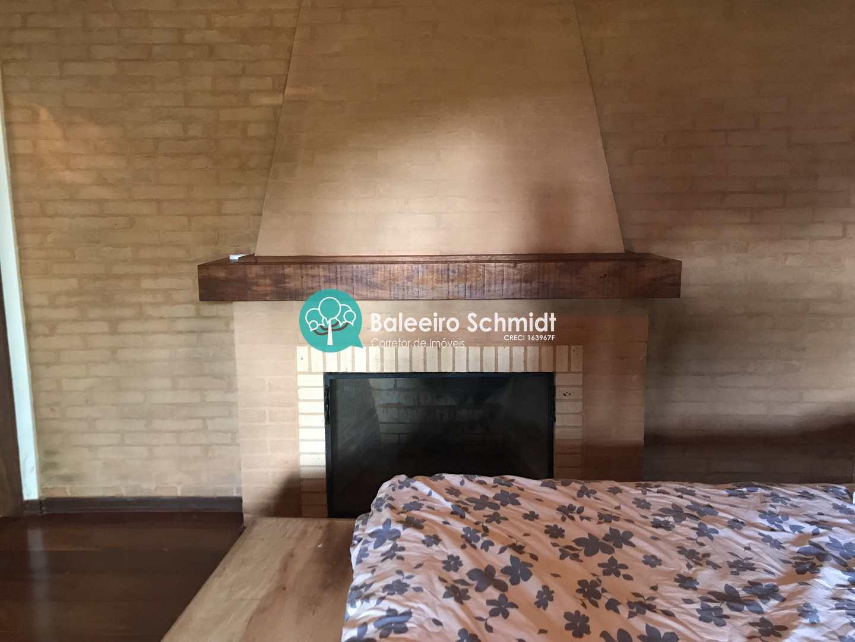 Casa em Santo Antonio do Pinhal em Condominio