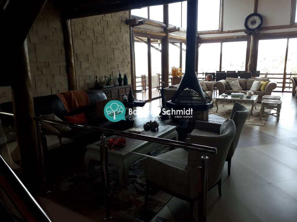 Casa de Condomínio com 6 dorms, Condomínio Parque da Mantiqueira, Santo Antônio do Pinhal - R$ 4.3 mi, Cod: 537