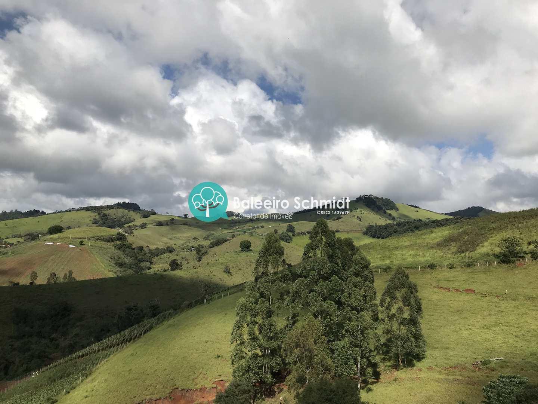 Sítio Santo Antônio do Pinhal vista para Pedra do Bau