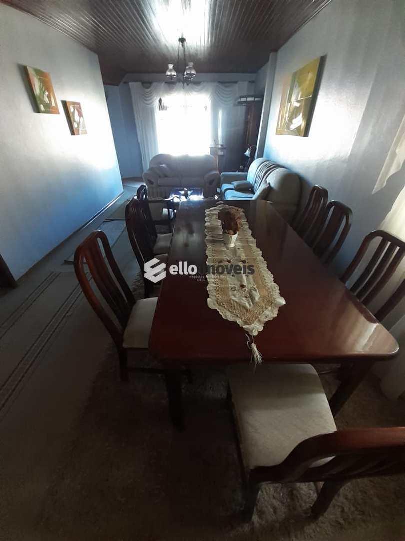 Casa com 3 dorms, São Cristóvão, Lages - R$ 690 mil, Cod: 38