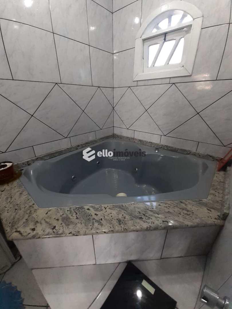 Casa com 4 dorms, Guarujá, Lages - R$ 650 mil, Cod: 46
