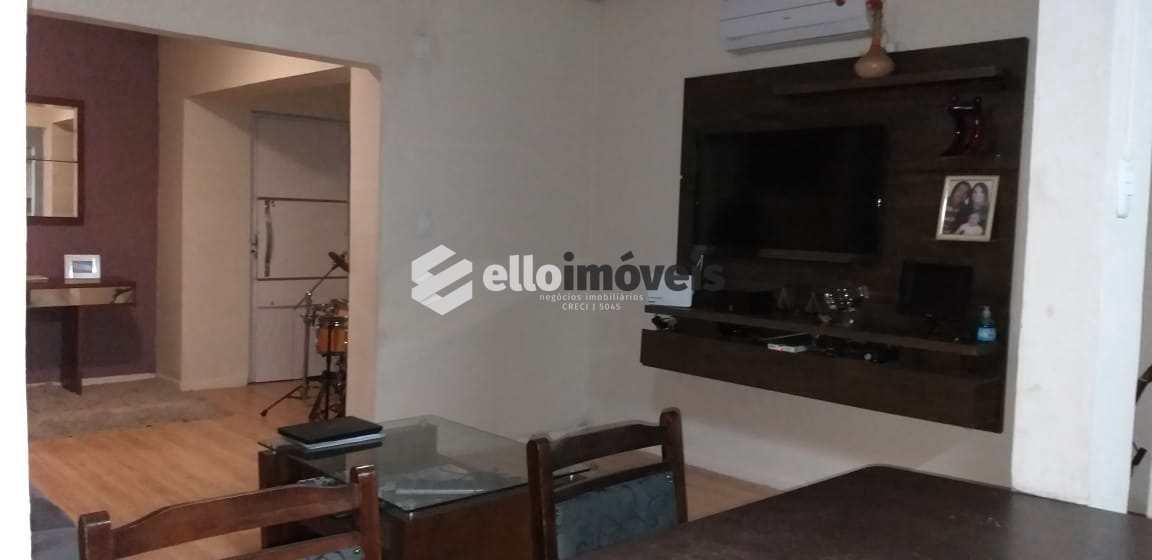 Casa com 4 dorms, Centro, Lages - R$ 500 mil, Cod: 169
