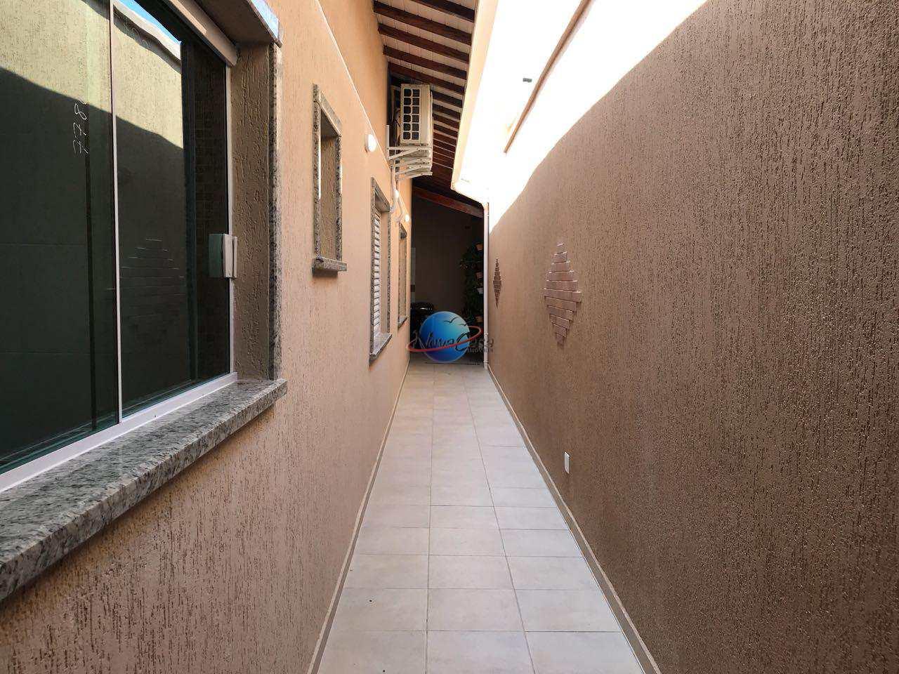 Casa 2 dormitórios à venda em Praia Grande litoral de São Paulo