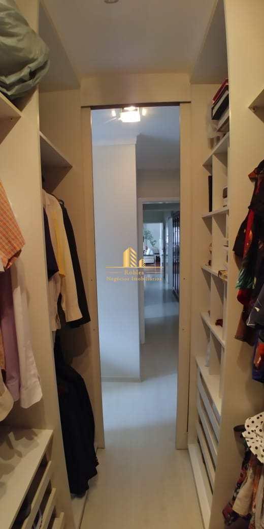 Apartamento com 3 dorms, Moema, São Paulo - R$ 2.3 mi, Cod: 434