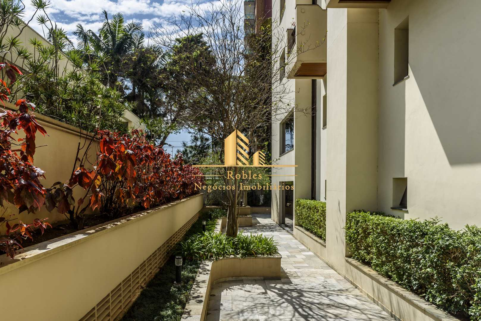 Cobertura com 5 dorms, Moema, São Paulo - R$ 4.9 mi, Cod: 514