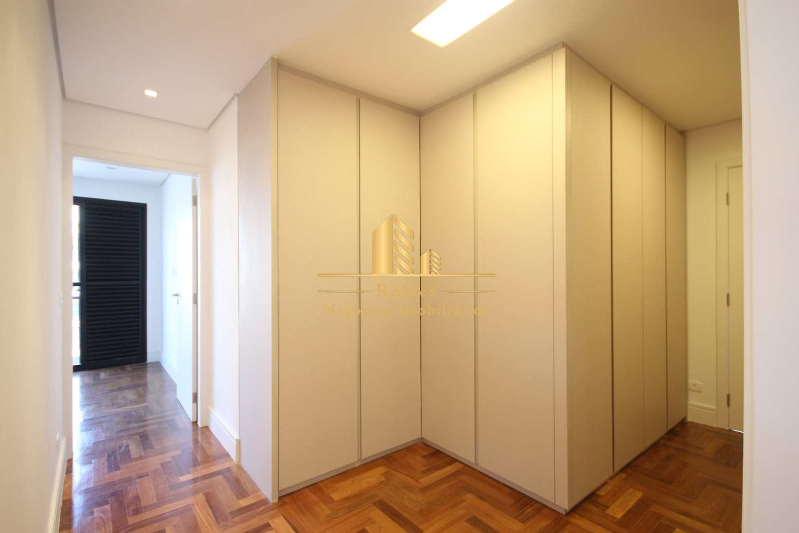 Apartamento com 3 dorms, Indianópolis, São Paulo - R$ 4.51 mi, Cod: 696