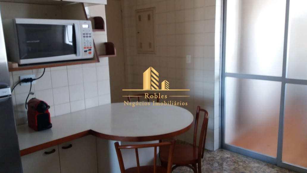 Apartamento com 3 dorms, Moema, São Paulo - R$ 1.1 mi, Cod: 1393