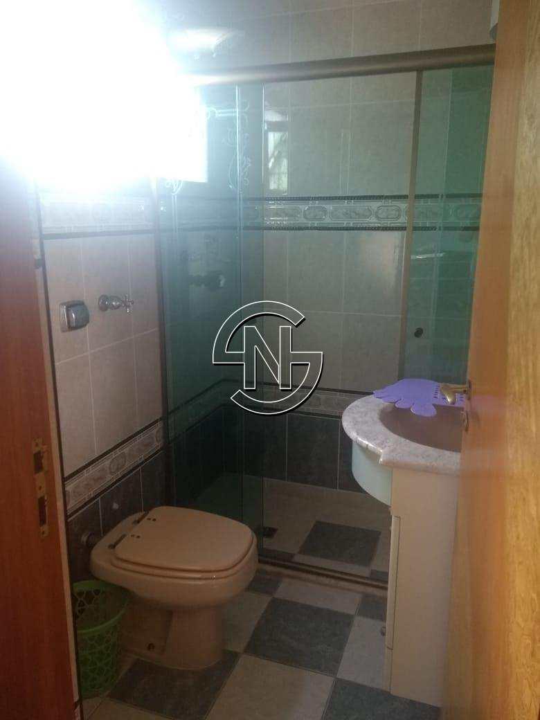 Banheiro / Vista lateral / Entrada