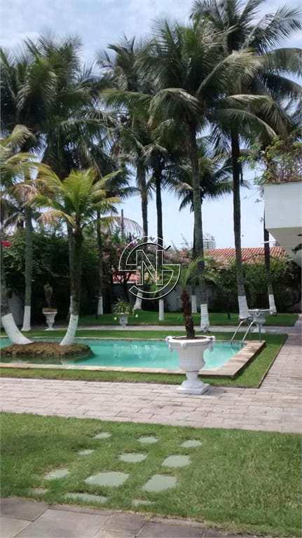 Casa com 8 dorms, Canto do Forte, Praia Grande - R$ 7 mi, Cod: 1640
