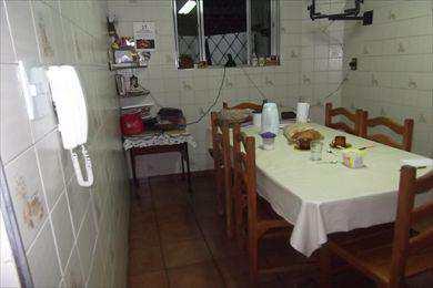 Sobrado em Santos bairro Campo Grande
