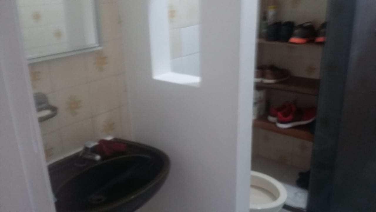 Apt 2 dorms Boqueirão Santos R$ 215 mil Cód: 10674