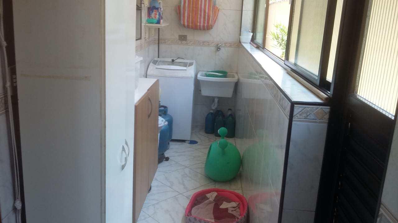 Casa com 3 dorms, Marapé, Santos - R$ 550 mil, Cod: 10696