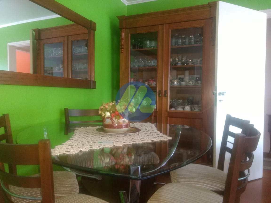Apartamento com 3 dorms, Centro, Pelotas - R$ 350 mil, Cod: 100
