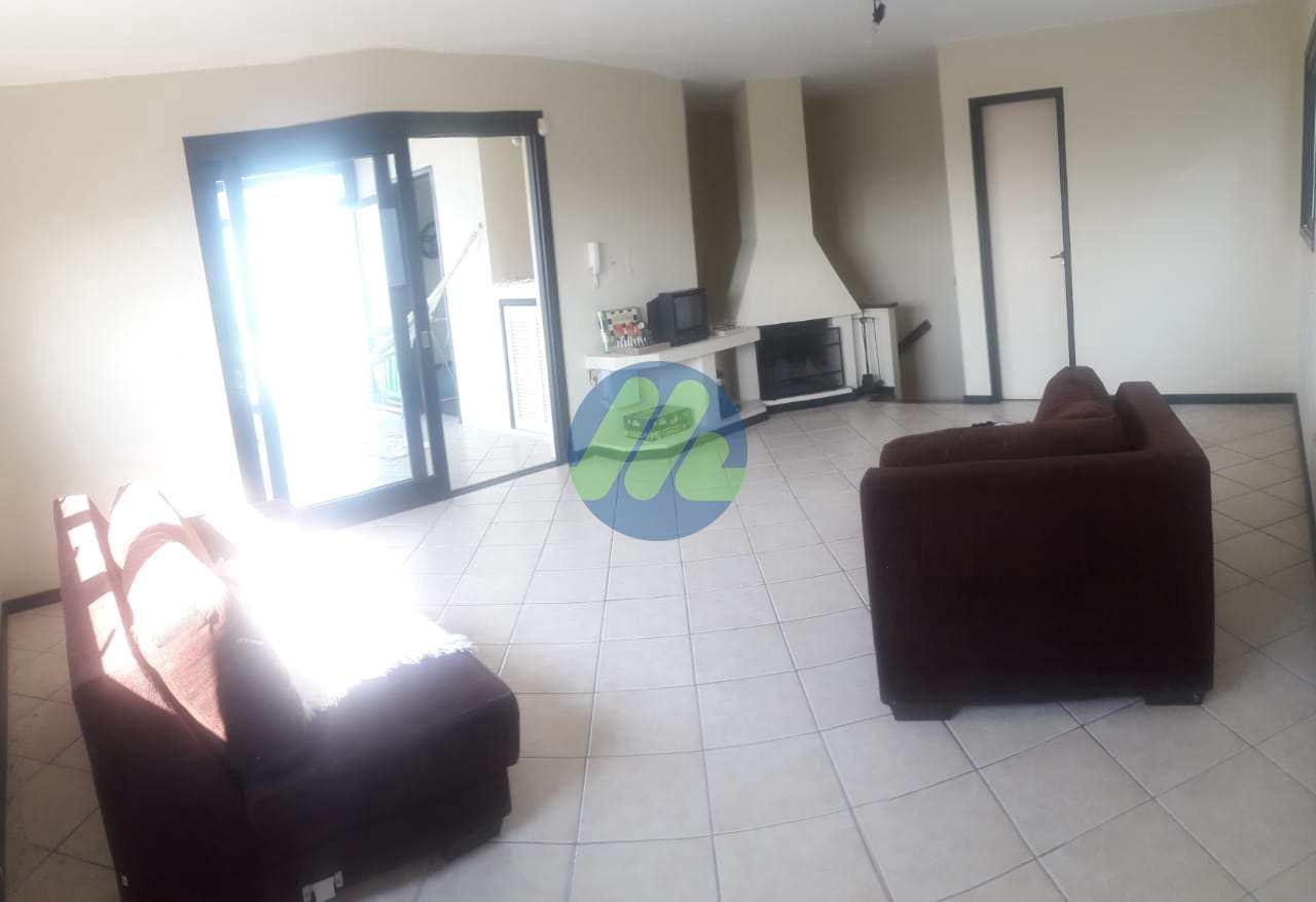 Cobertura com 3 dorms, Centro, Pelotas - R$ 585 mil, Cod: 126