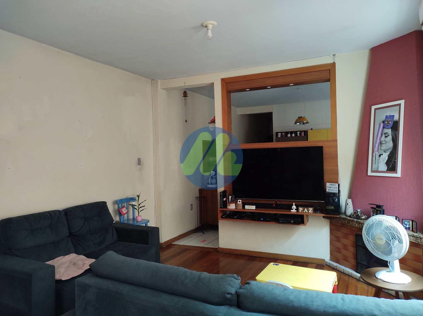 Casa com 4 dorms, Centro, Pelotas - R$ 850 mil, Cod: 175