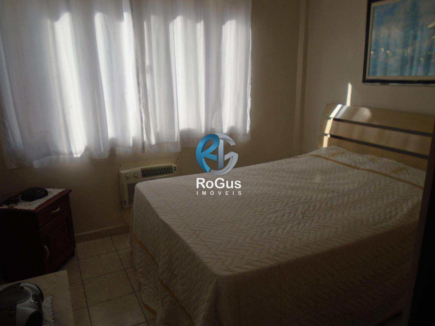 Apartamento com 2 dorms, Frente p/ Mar Gonzaga, Santos, Cod: 73