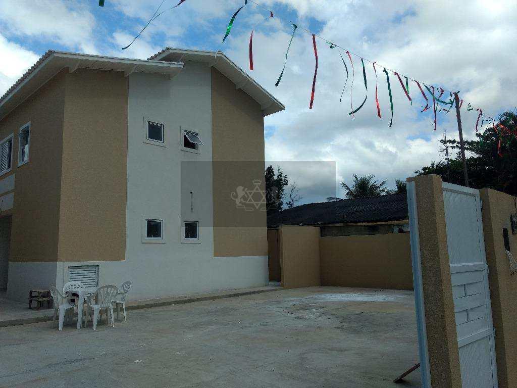Lindo condomínio com ótima localização, com 08 sobrados novos prontos para morar, com 3 banheiros, 3 dormitórios com 1 suíte, 02 vagas para estacionamento, com