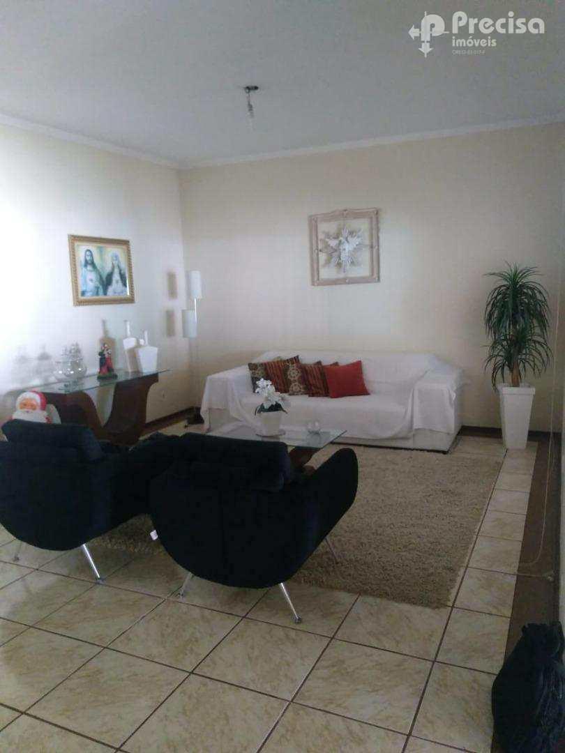 Casa de alto padrão com 4 dormitórios à venda - Vila Zélia - Lorena/SP