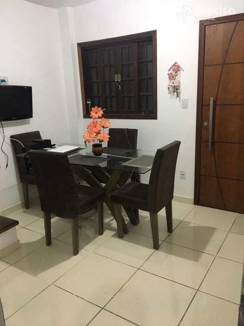 Sobrado com 1 dorm, Centro, Lorena - R$ 180 mil, Cod: 62620114