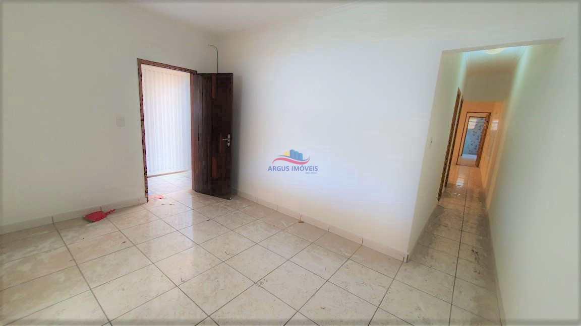 Casa 3 Dorm - espaço  Churrasq + 2 Vagas + Quintal
