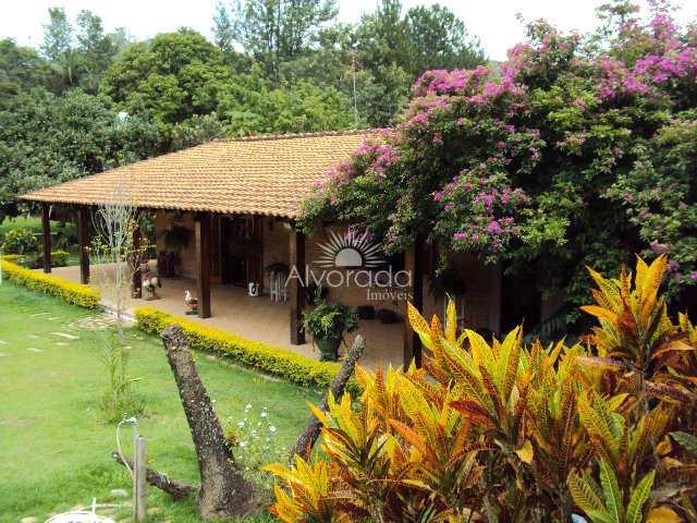 Chácara com 3 dorms, Loteamento Caminhos do Sol, Itatiba - R$ 600 mil, Cod: CH110