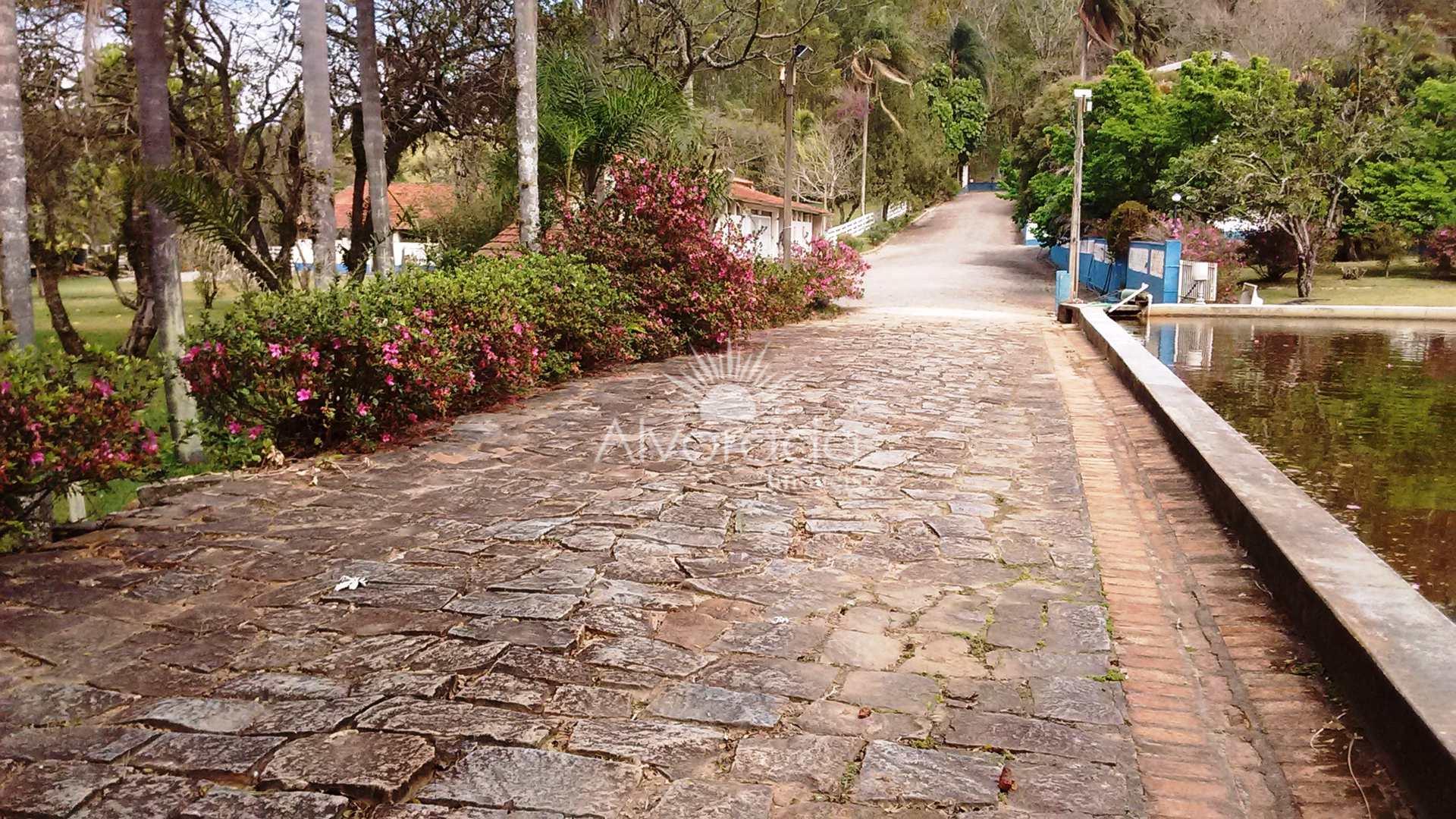 Sítio com 13 dorms, Rio Acima, Jundiaí - R$ 4 mi, Cod: ST014