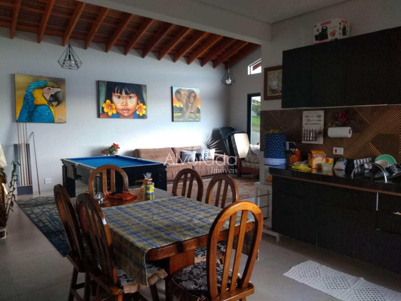 Casa de Condomínio com 3 dorms, 7 Lagos, Itatiba - R$ 800 mil, Cod: CF013