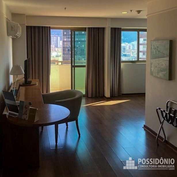 Flat com 1 quarto, Botafogo, Rio de Janeiro - R$ 400 mil