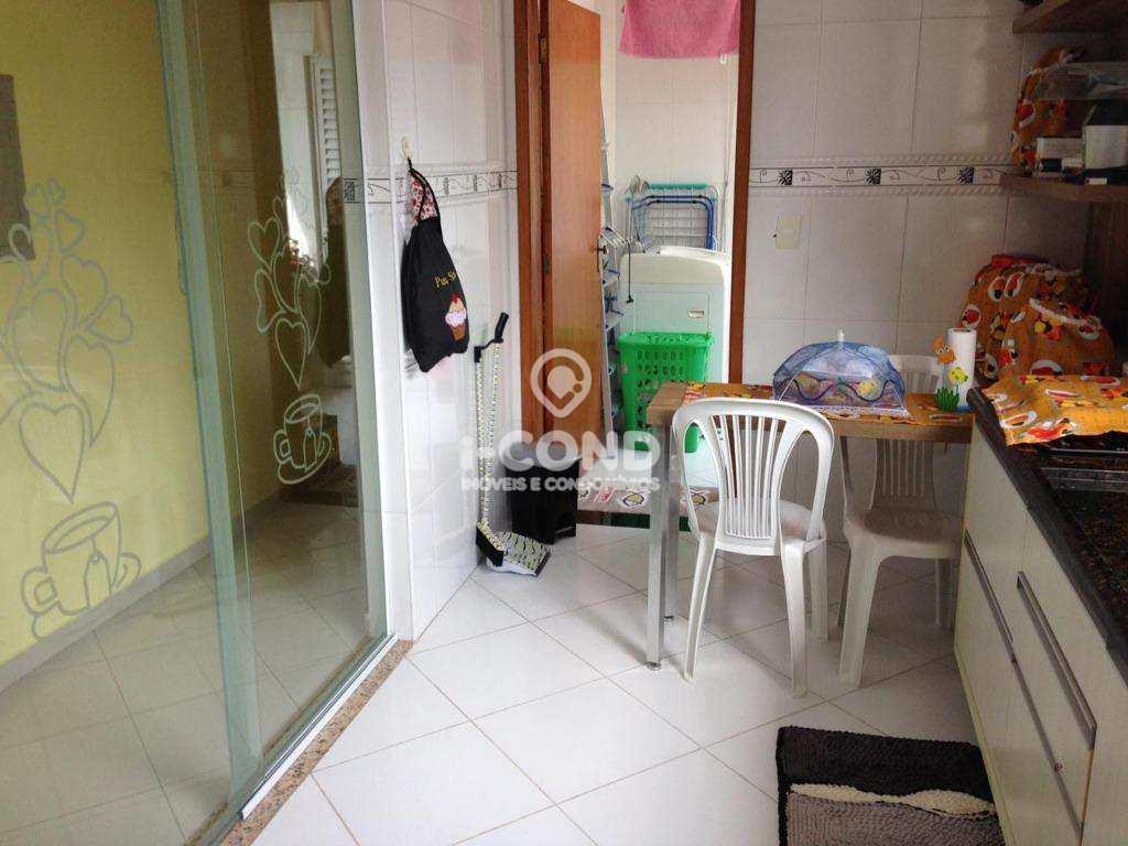 Sobrado com 3 dorms, Ponta da Praia, Santos - R$ 750 mil, Cod: 62005483