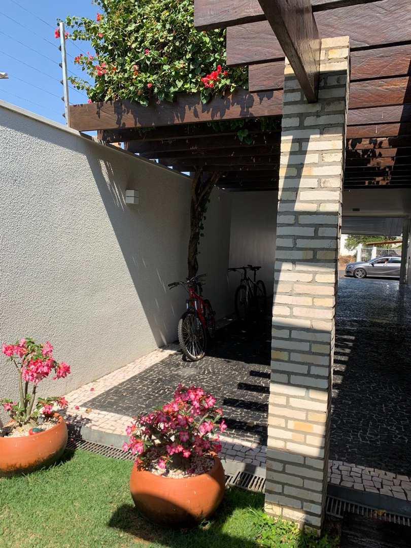 Casa, Centro, Primavera do Leste - R$ 1.8 bi, Cod: 11