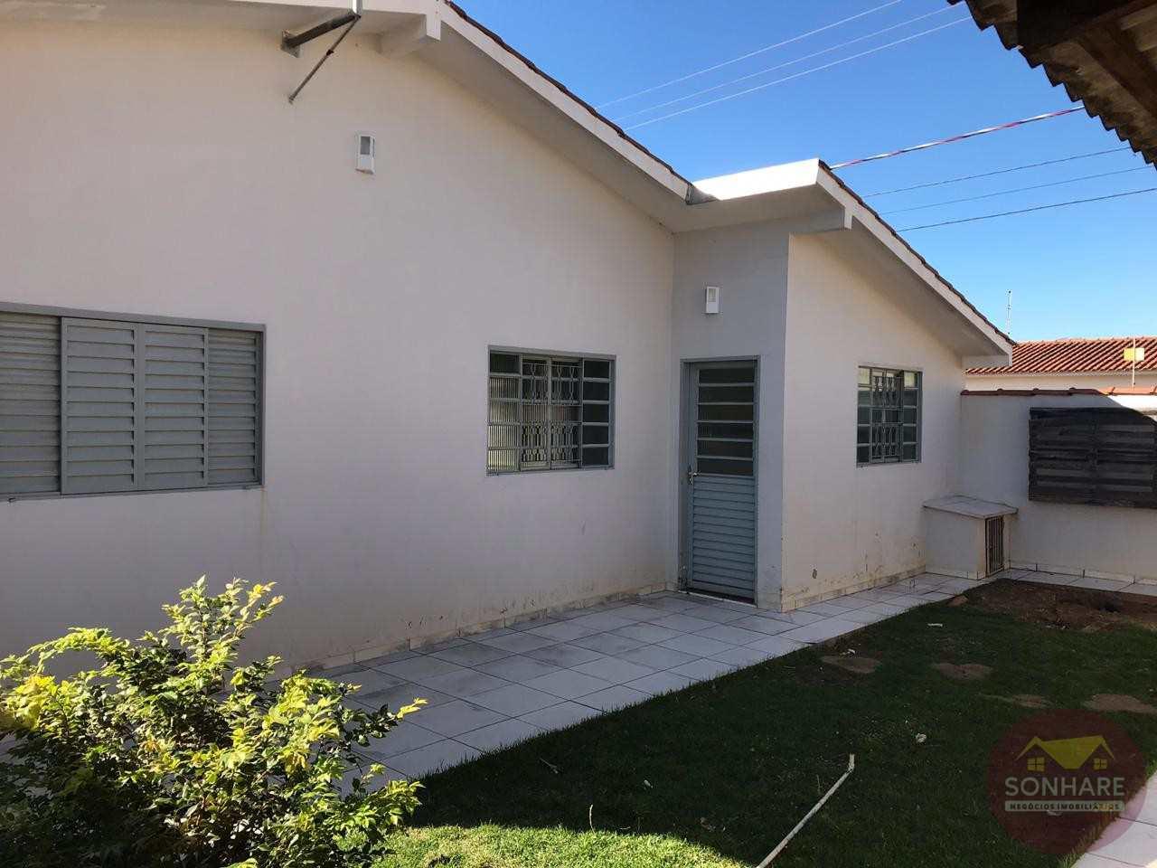 Casa com 3 dorms, Cristo Rei, Primavera do Leste - R$ 230 mil, Cod: 99