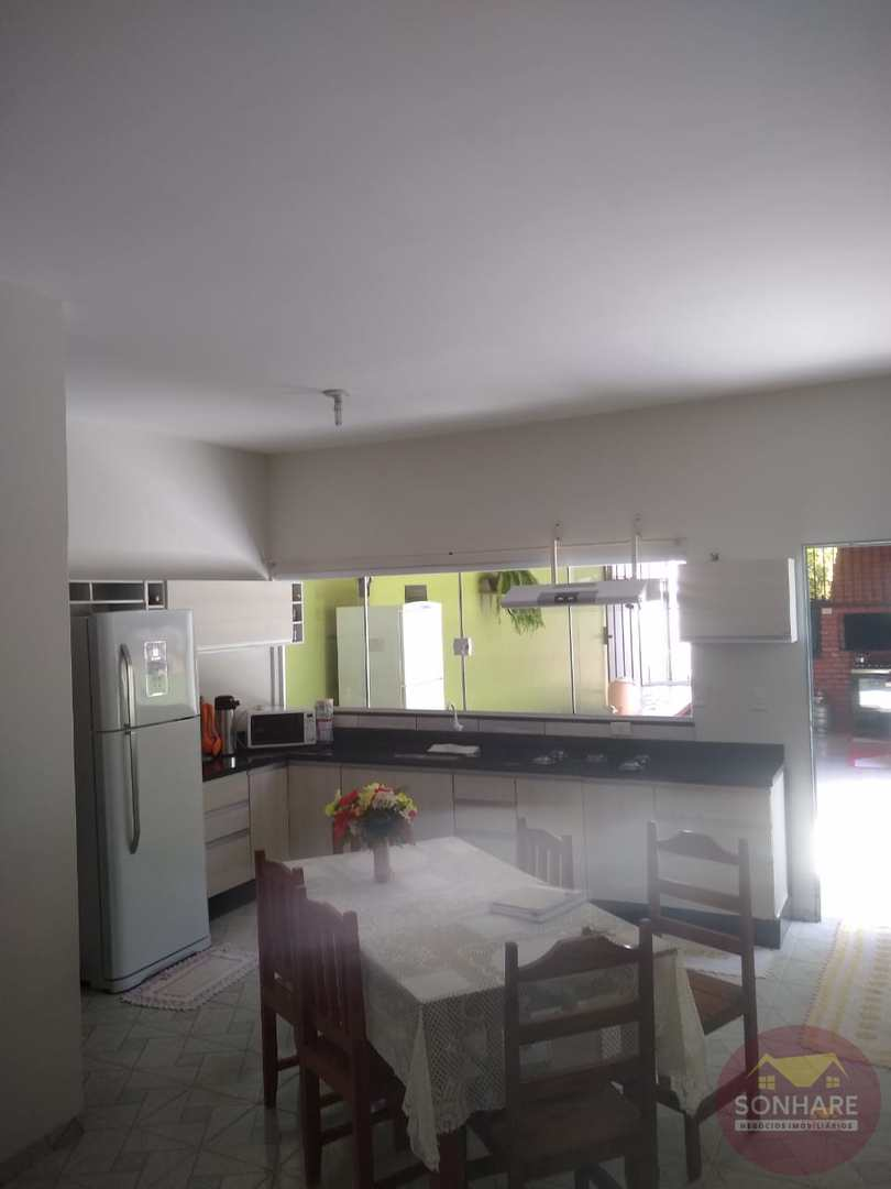 Casa com 3 dorms, Castelândia, Primavera do Leste - R$ 800 mil, Cod: 118