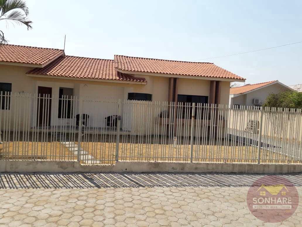 Casa com 2 dorms, Centro, Primavera do Leste - R$ 600 mil, Cod: 163