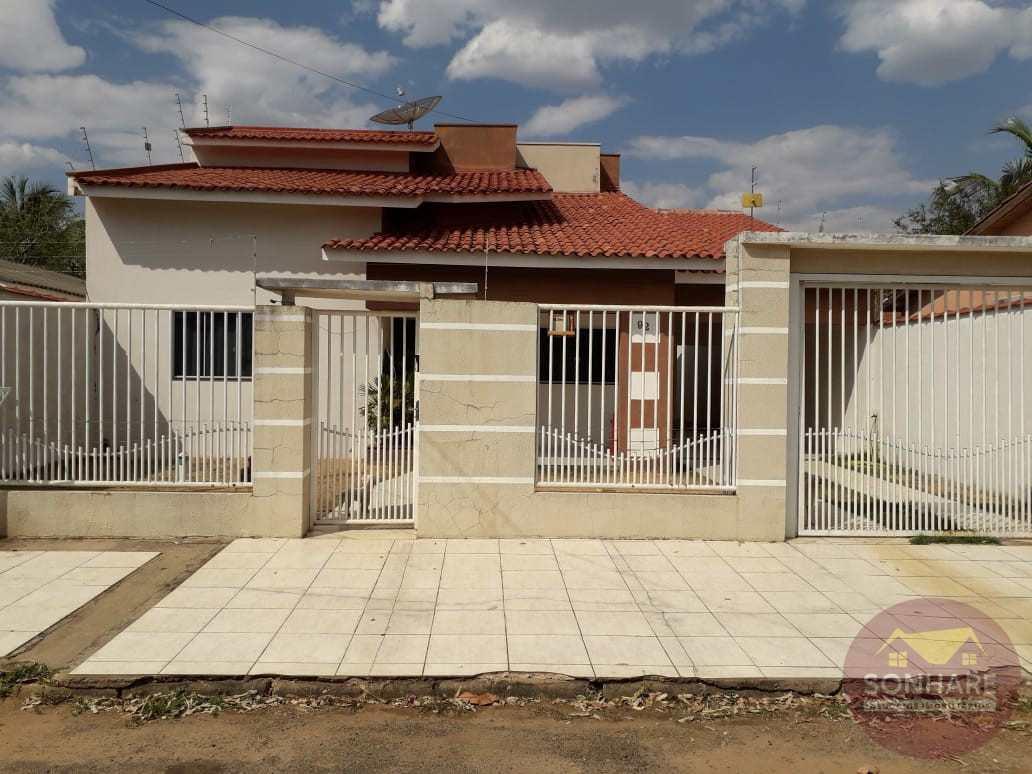 Casa com 2 dorms, Centro, Primavera do Leste - R$ 420 mil, Cod: 164
