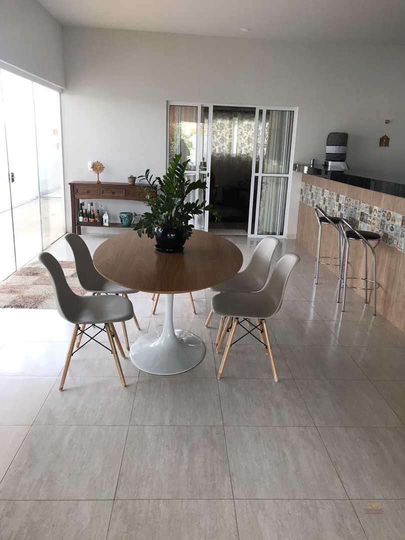 Casa com 2 dorms, Jardim Riva, Primavera do Leste - R$ 850 mil, Cod: 202