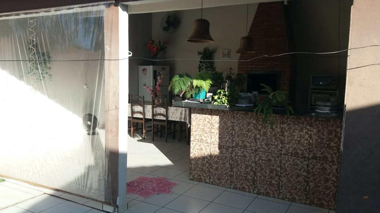 Casa com 2 dorms, Centro, Primavera do Leste - R$ 1.2 mi, Cod: 375