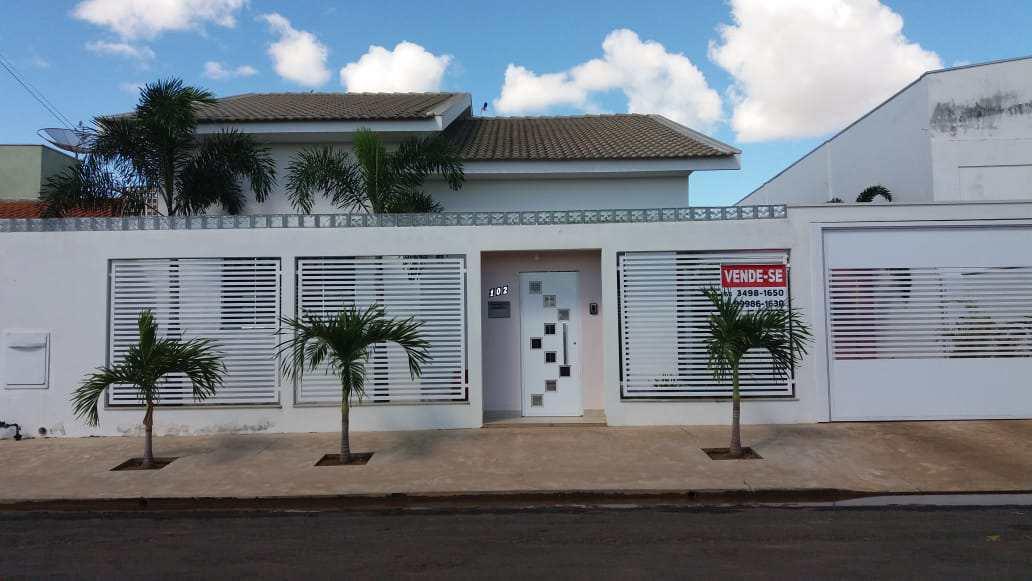 Casa com 1 dorm, Jardim Luciana, Primavera do Leste - R$ 750 mil, Cod: 397