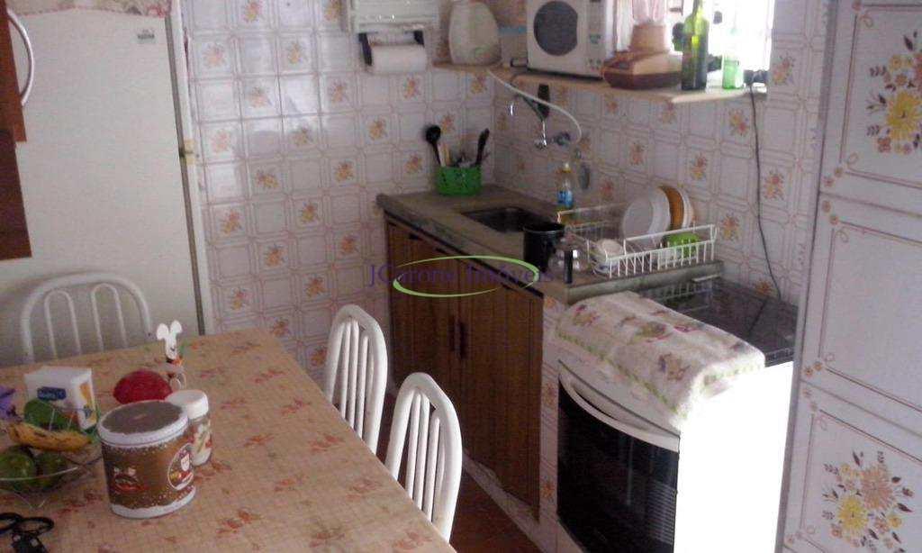 Apartamento com 2 dormitórios à venda, 70 m² por R$ 260.000 - Embaré - Santos/SP