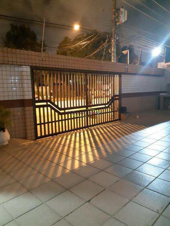 Apartamento com 2 dormitórios à venda, 70 m² por R$ 275.000 - Campo Grande - Santos/SP
