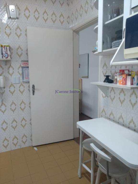 Apartamento com 1 dormitório à venda, 58 m² por R$ 320.000