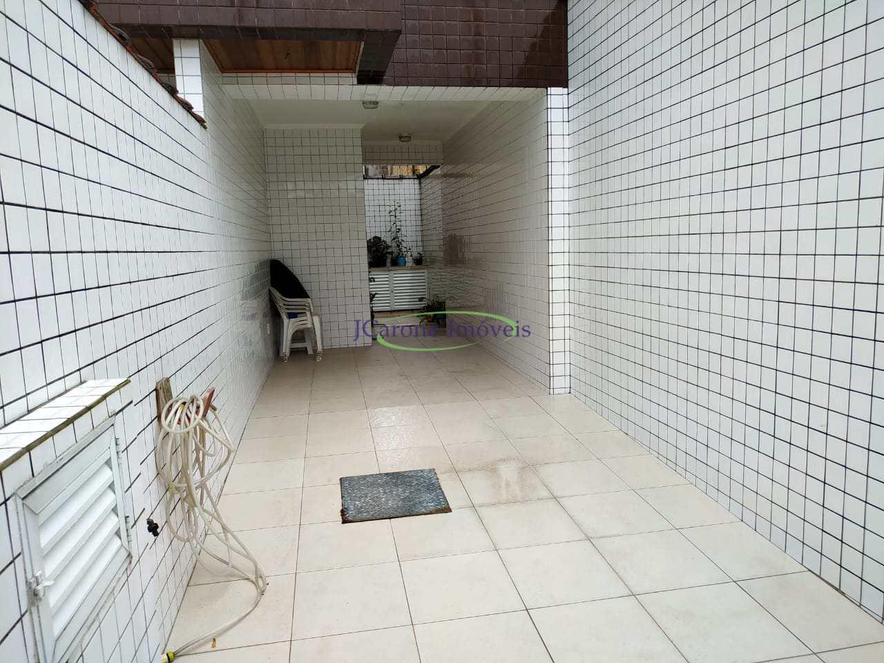 Casa com 3 dorms, Marapé, Santos - R$ 578 mil, Cod: 64152320