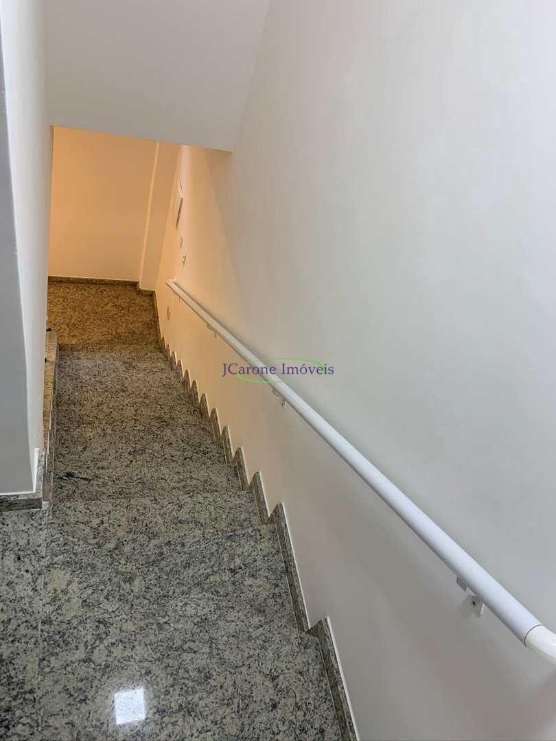 Casa com 2 dorms, Marapé, Santos - R$ 470 mil, Cod: 64152386