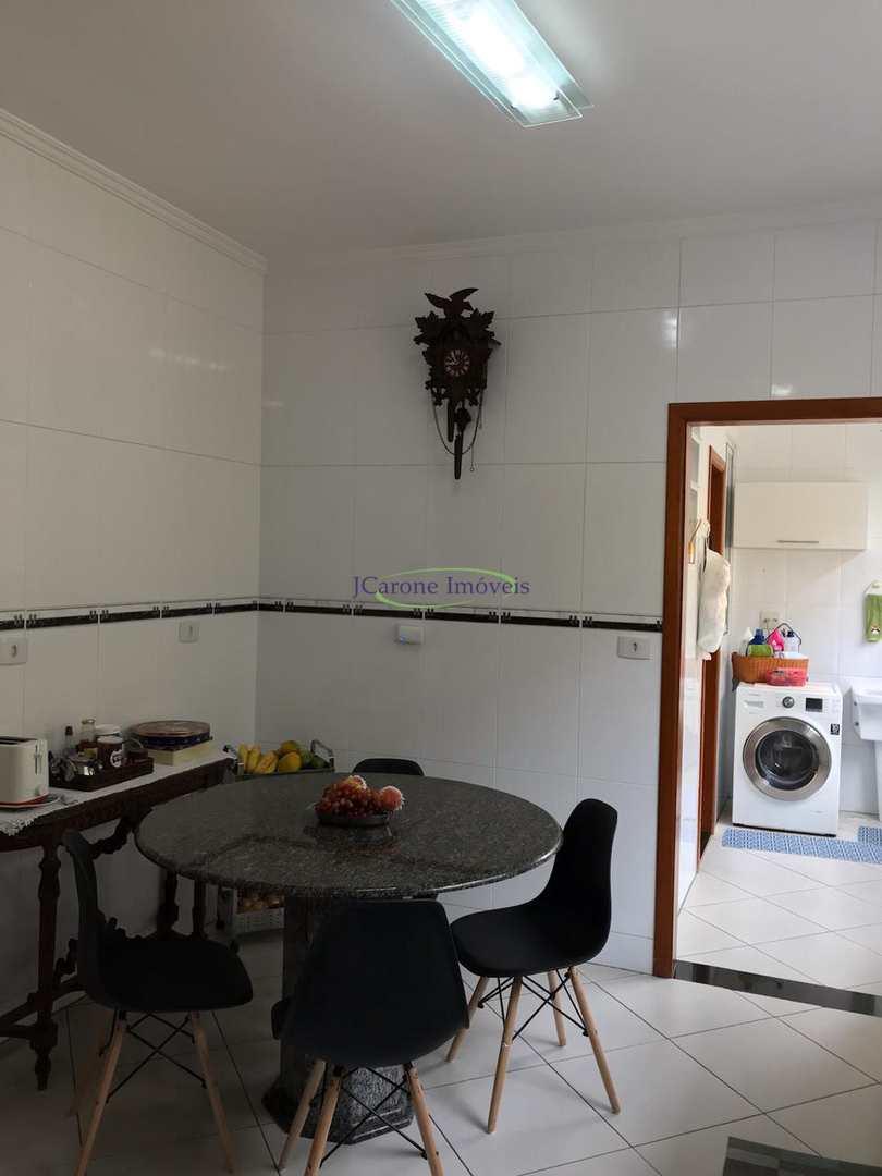 Casa com 4 dorms, Boqueirão, Santos - R$ 1.37 mi, Cod: 64152468